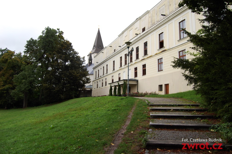 Zamek Frysztat przyjmie nocnych gości