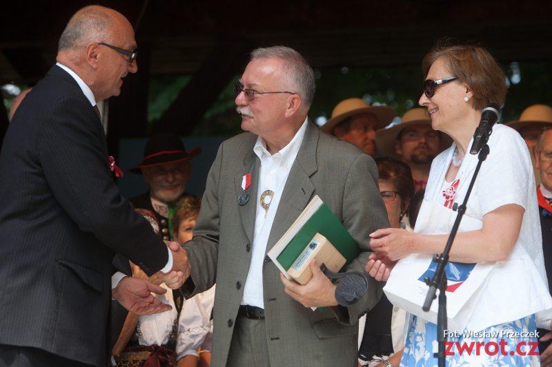 Odznaczenie dla ambasador Grażyny Bernatowicz i Jana Ryłki