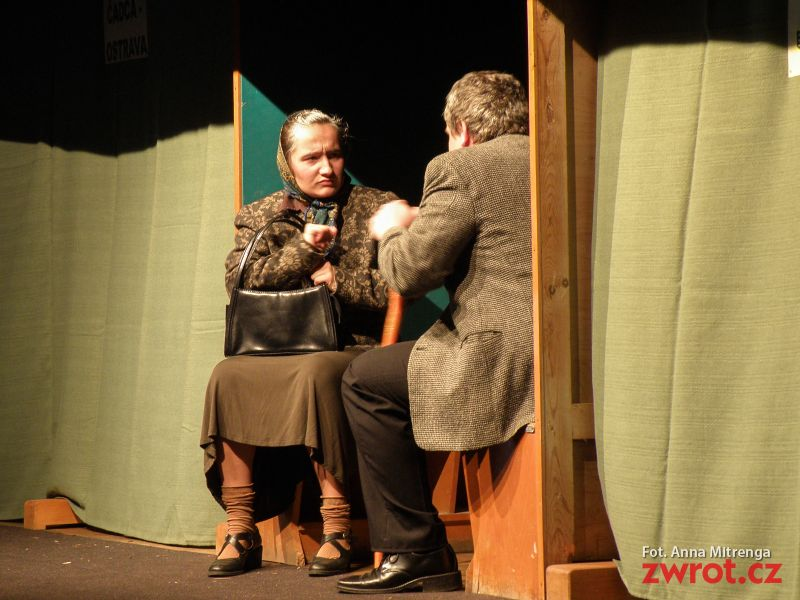 Niedzielne popołudnie teatralne w Mostach
