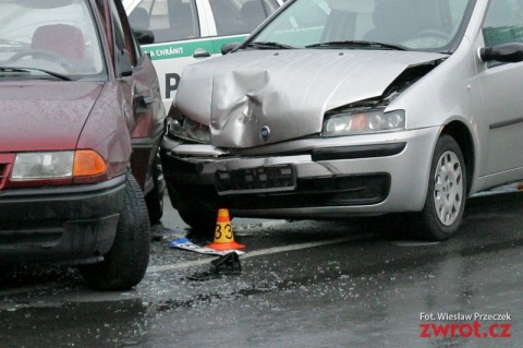 Policie, nehoda v Navsi