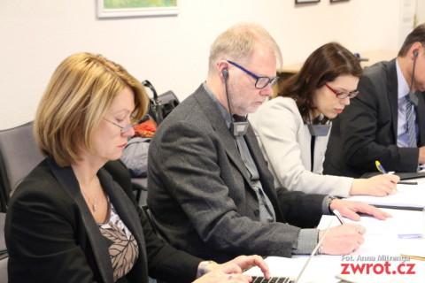 Monitorowali prawa językowe mniejszości polskiej