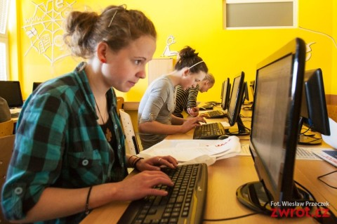 Konkurs miesięcznika Zwrot dla młodych dziennikarzy