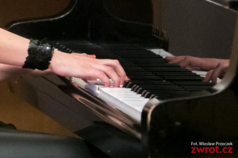 pianistka_i