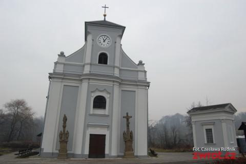 Krzywy kościół w soboty otwarty dla zwiedzających