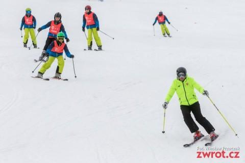 Prezydent na nartach w towarzystwie dzieci