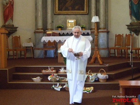 Wielkanocne msze polskie i święcenie pokarmów