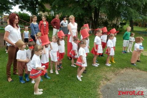 Festyn w Ropicy pod znakiem bajek