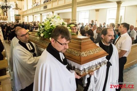 Ostatnie pożegnanie ks. seniora Bogusława Kokotka