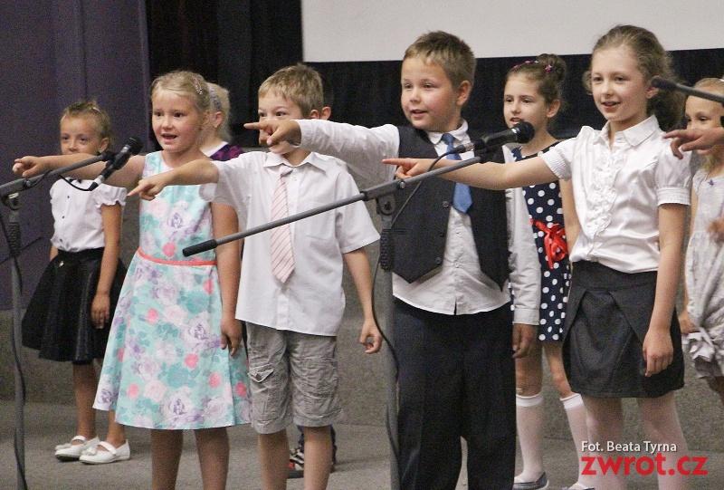 Uczniowie w Czeskim Cieszynie przywitali wakacje
