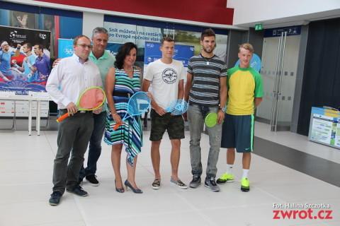 Puchar Davisa w Trzyńcu. Palkovská zagrała na obcasach