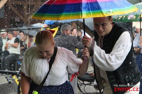 Dożynki w deszczu skąpane