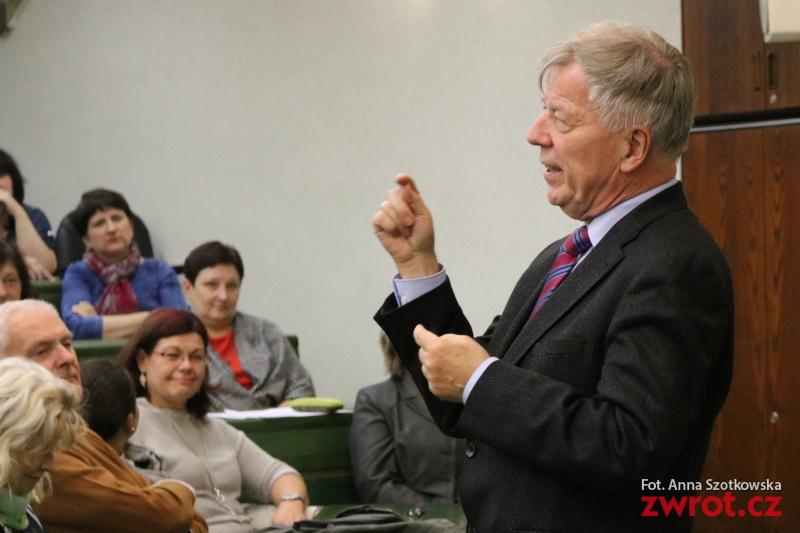 Profesor Miodek o przemianach współczesnej polszczyzny (wideo)