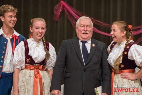 Lotnicy i Zaolziacy z Wałęsą