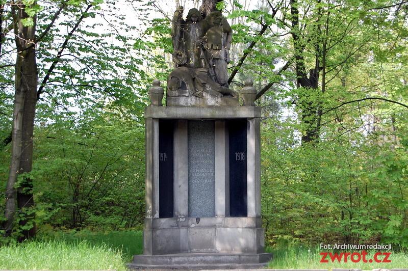 W Karwinie restaurowany jest kolejny pomnik