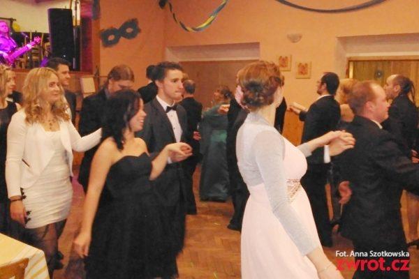 Szampańska zabawa na balu w Piosku