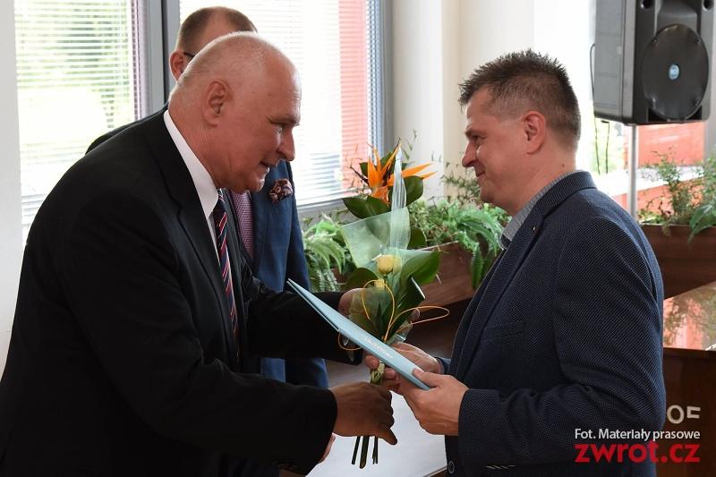 Roman Szarowski nagrodzony przez władze Karwiny