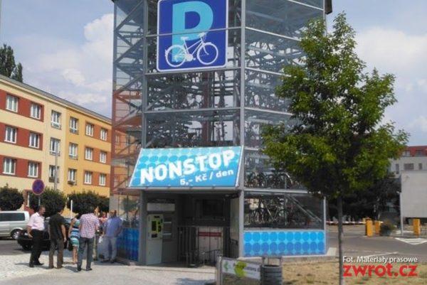 Zaparkuj rower… w wieży