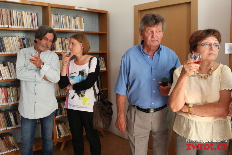 Artyści Plastycy otworzyli wystawę w Mostach