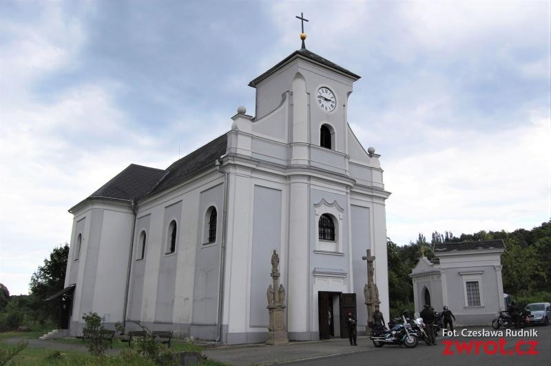 Krzywy kościół w ofercie turystycznej