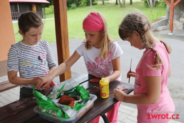 Dzieci z Karwiny na obozie w Gutach