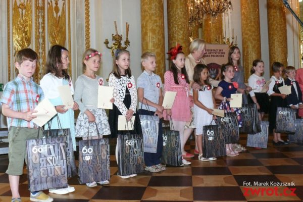 Uczniowie z Zaolzia nagrodzeni w konkursie Być Polakiem