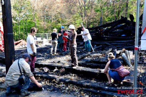 Pożar kościoła w Gutach. Na koncie przybywa pieniędzy