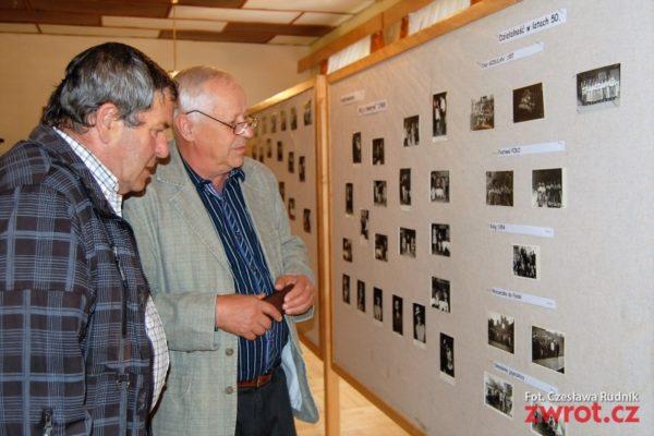 Wystawa w Gnojniku na jubileusz PZKO