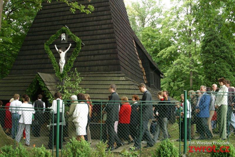 Szukamy wspomnień związanych z kościółkiem w Gutach