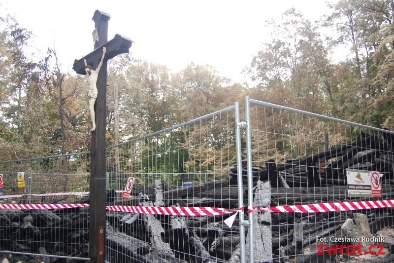 Budowę kościółka w Gutach opóźnia spór dotyczący zabezpieczenia przeciwpożarowego
