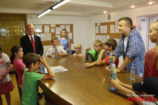 Obozowicze z Lesznej z wizytą u konsula