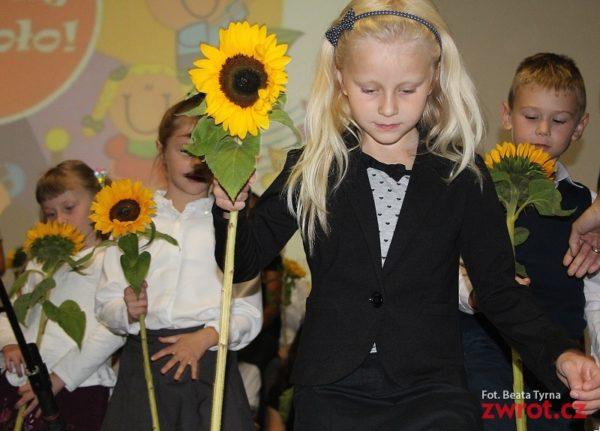Trzy pierwsze klasy w szkole w Czeskim Cieszynie