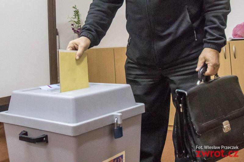 Otworzyły się lokale wyborcze