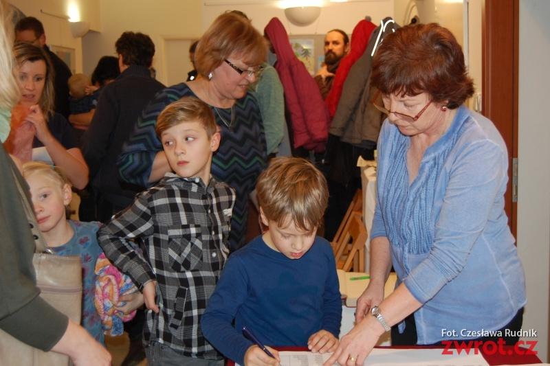 Najmłodsi rysownicy spotkali się z autorką ilustrowanej książki