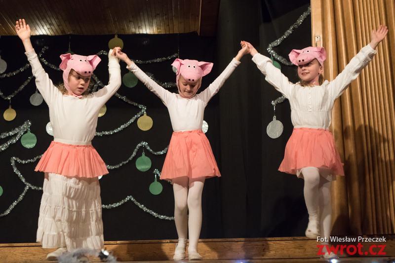 Świąteczne przedstawienie w Nawsiu
