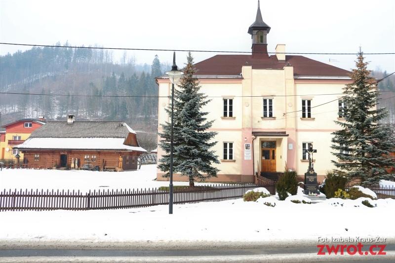 W planie jest ogród obok szkoły