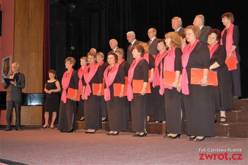 Reprezentują polskie śpiewactwo w Orłowej