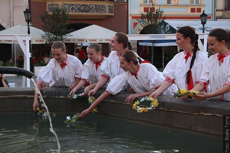Wianki popłynęły w wodach Floriana