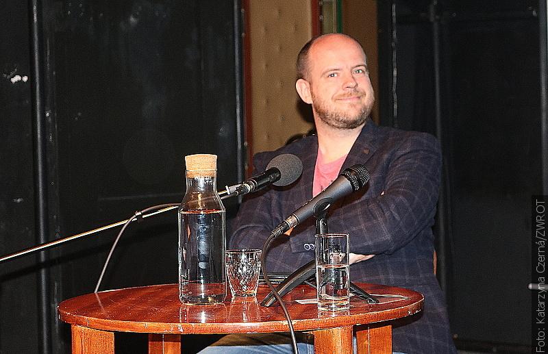 """Rozmowy literackie """"Zwrotu"""": Witold Szabłowski"""
