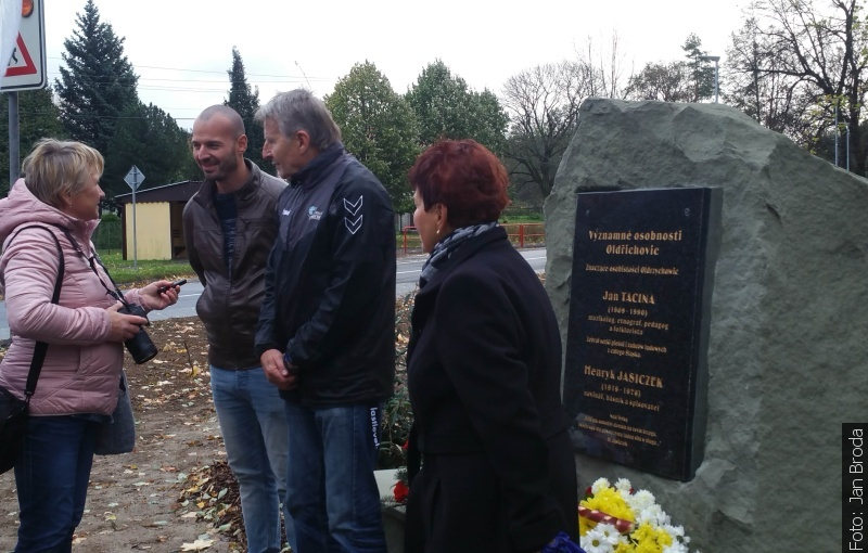 Odsłonięto pomnik Jasiczka i Taciny
