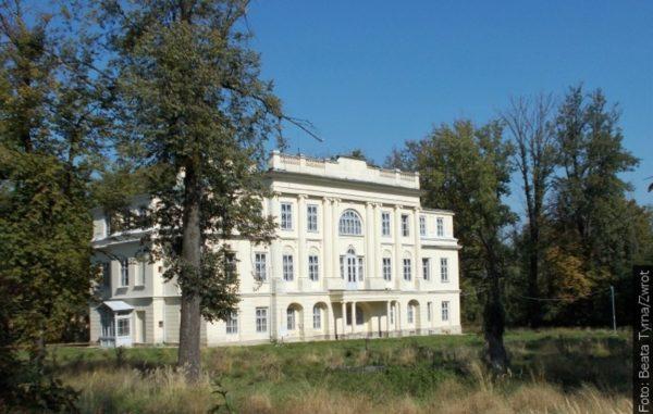 """Spacery ze """"Zwrotem"""": Zamek w Gnojniku"""