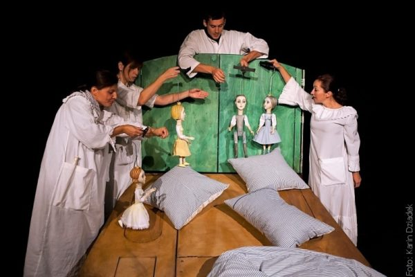 Lalkowa Scena Bajka zagra w Rzece dwujęzycznie spektakl rodzinny