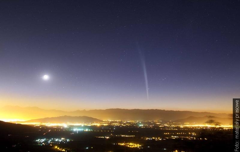 """""""Zwrot"""" astronomicznie: Kometa wigilijna i pierwsza gwiazdka"""