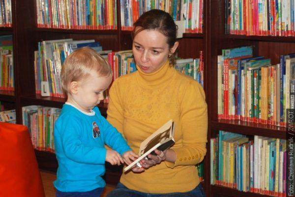 I z maluszkiem warto wybrać się do biblioteki
