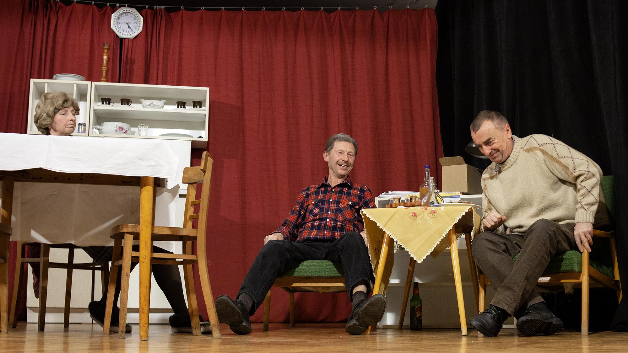 Teatr w Gródku rozbawił publiczność (zdjęcia Marian Siedlaczek)