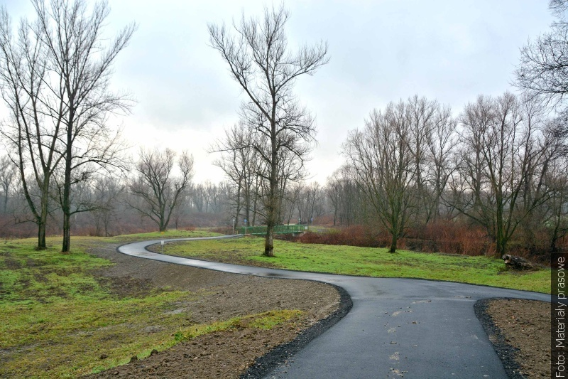 Zakończono budowę kolejnej części ścieżki rowerowej wokół Jeziora Wierzbickiego