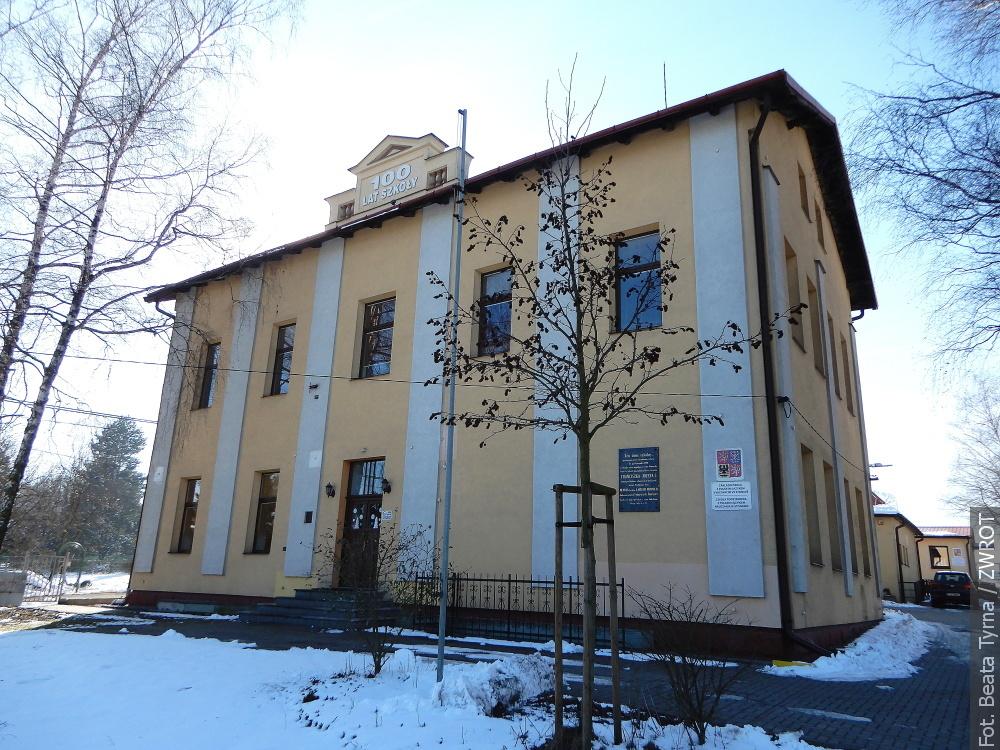 """Spacery ze """"Zwrotem"""": Polska szkoła w Stonawie"""