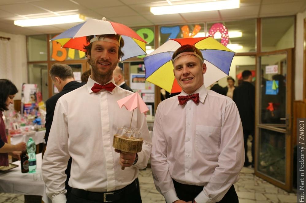 W Kocobędzu tańczono pod parasolami