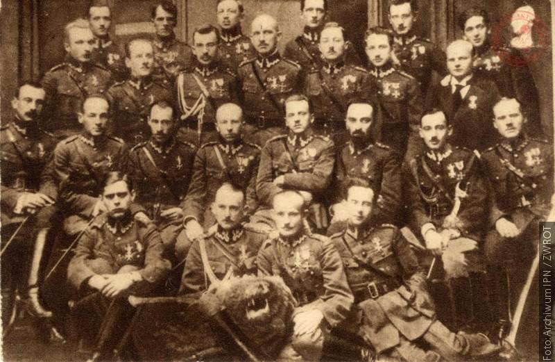 """IPN zachęca do wzięcia udziału w konkursie """"Niezwyciężeni 1918. Ofiary totalitaryzmów"""""""