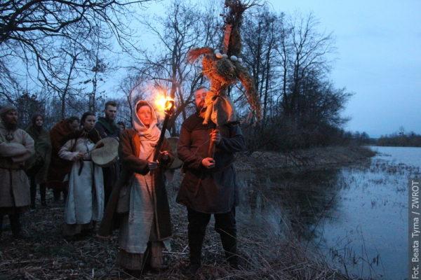W Białogrodzie pradawnym słowiańskim zwyczajem przepędzali zimę