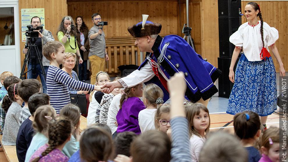 Śląsk zatańczył dla dzieci z bystrzyckiej szkoły